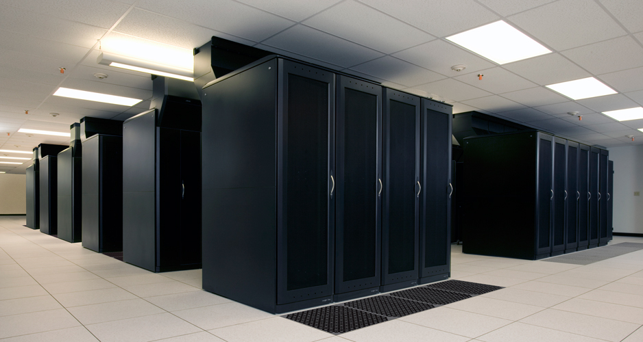 Heat Containment System used with Eaton's Paramount Enclosure System at BlueLock's Indianapolis Data Center